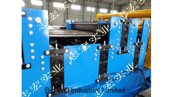 roll forming machine Chinese supplier.jpg